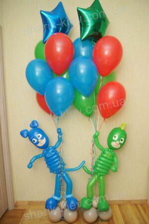 Герои в масках из воздушных шаров