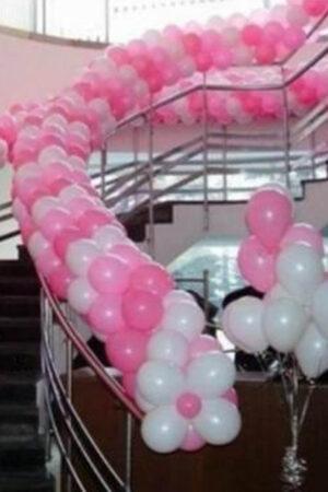 Гирлянда на перила из воздушных шаров