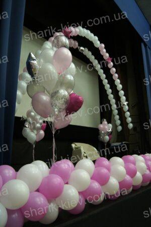 Оформление сцены из воздушных шаров