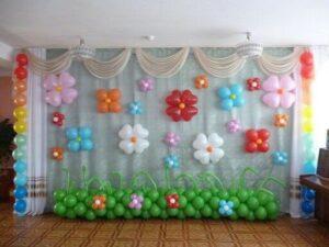 Оформление детского садика Цветочки из воздушных шаров