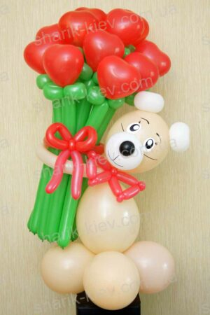 Мишка с сердечками из воздушных шаров